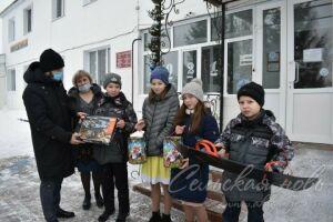 Написавшие письма Деду Морозу дети из приюта Аксубаева получили подарки
