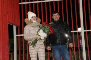 Алькеевец сделал предложение своей девушке на главной елке района