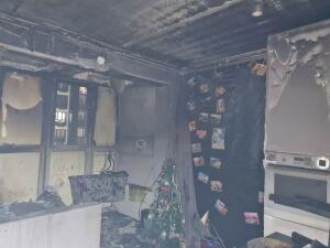 Жильцы многоэтажки в Казани выбежали на улицу из-за пожара на балконе квартиры
