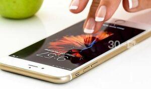 В школах запретили использовать мобильные телефоны для обучения