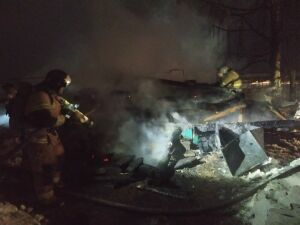 В Высокогорском районе потушили загоревшийся склад на территории детского сада