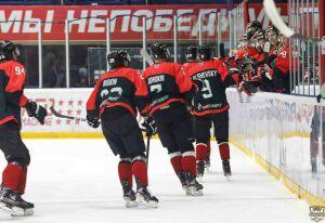Хоккейный «Нефтяник» завершил домашнюю серию победой