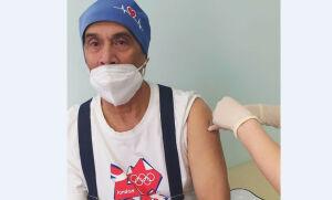 Врач-инфекционист Кукморской ЦРБ сделал прививку от коронавируса