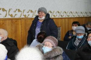 На сходе в Старых Челнах Алькеевского района сельчане попросили трактор