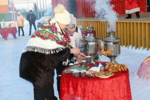 В Алькеевском районе праздник чая отметили песнями и танцами