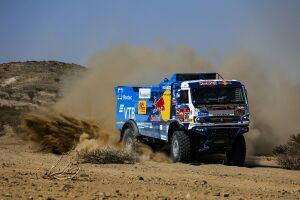 Экипаж «КАМАЗа» под управлением Сотникова выиграл второй этап ралли «Дакар-2021»