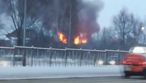 На видео сняли пожар в Константиновке под Казанью