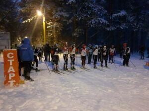 В Елабуге прошла вечерняя лыжная гонка памяти Виталия Дерягина