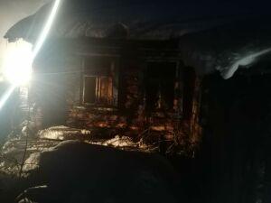В Татарстане мужчина сгорел, уснув с сигаретой на диване