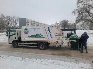 Для Челнов закупили компактные мусоровозы, способные ездить по загруженным дворам