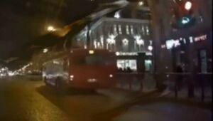 В Казани наказали водителя автобуса, проехавшего на красный свет