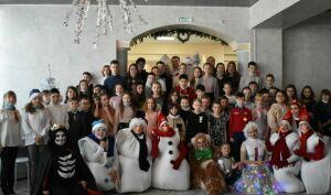Юных верхнеуслонцев чествовали на новогодней елке главы