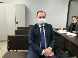 Защита ректора КХТИ настаивает — на работу он ходил исправно, зарплату получал законно