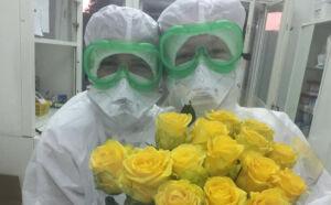 В Нижнекамске пациенты Covid-госпиталя подарили медикам цветы