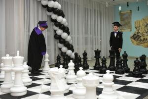 В 56 школах Набережных Челнов создадут шахматные зоны