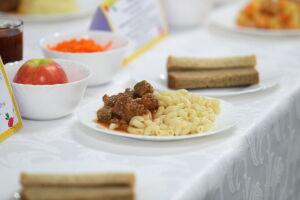 Учащимся на дому школьникам РТ предложили давать компенсацию за горячее питание