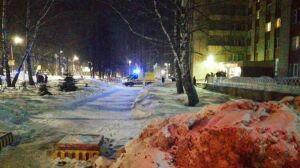 Двоих жителей многоэтажки в Нижнекамске госпитализировали с ночного пожара