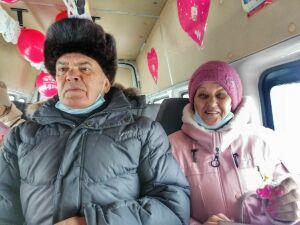 По улицам Менделеевска проехала «маршрутка любви»