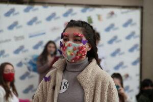 Елабужане в модном дефиле «Ношу маску-2021» представили креативные маски