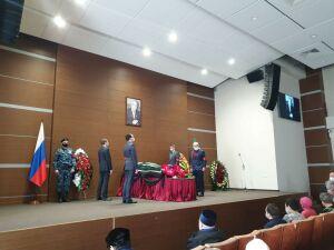 В Арбитражном суде РТ началась гражданская панихида по Рашиту Салахову