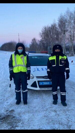 Автоинспекторы помогли юным спортсменам, автобус которых сломался на трассе в РТ