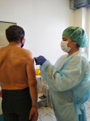 Медсестра из Челнов сделала 120 прививок «Спутником V» за день