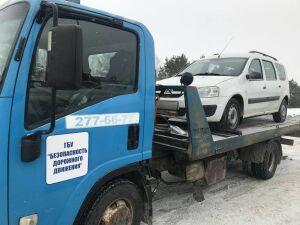 Такси с неисправным рулем отправили на штрафстоянку в Казани