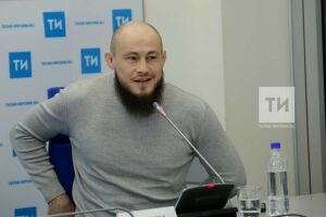 Ринат Фахретдинов хочет выходить на бои UFC в татарской тюбетейке