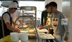 В Казани начала работу горячая линия по школьному питанию