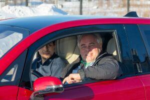 Евгений Касперский протестировал электромобиль на КАМАЗе