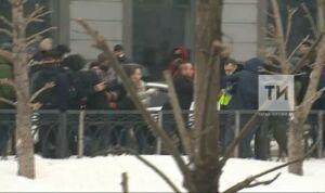 Напавших на сотрудника ГИБДД в центре Казани отправили под арест