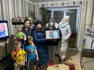 По инициативе Детской Думы в Менделеевске многодетные семьи получают помощь