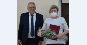 Старшая медсестра Бавлинской ЦРБ удостоилась награды от главы муниципалитета