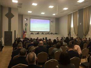 Минниханов поручил наладить работу магазинов и автолавок в районах Татарстана