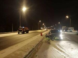 Женщина пострадала в аварии с двумя легковушками на трассе в РТ