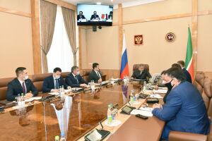 Минниханов обсудил сотрудничество с руководством китайской компании Complant