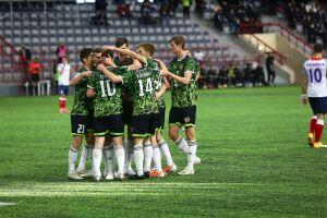 Футбольный «Нефтехимик» возобновил сезон в ФНЛ победой в Омске