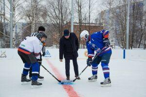 В Нижнекамске заработал обновленный хоккейный корт, к открытию готовится еще один