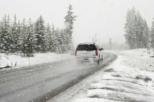ГИБДД напоминает водителям РТ о мерах безопасности во время тумана и гололеда