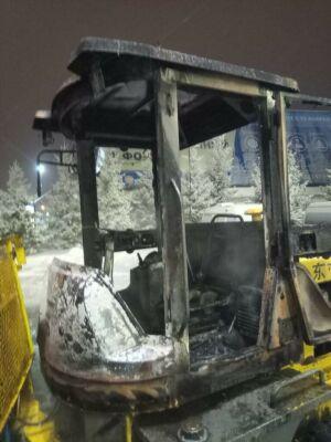 Ночью в Челнах на ходу вспыхнул автомобиль-погрузчик
