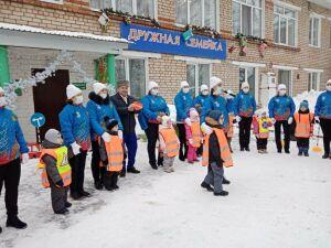 Автоинспекторы провели для детсадовцев в РТ флешмоб о безопасности на дороге