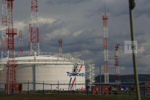 Цена нефти Brent превысила 59 долларов за баррель впервые за год