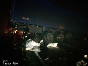 Под Челнами шофера фуры насмерть засыпало сахаром после ДТП с другим грузовиком