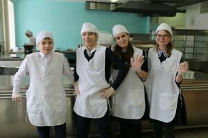 Питание в школьных столовых Алексеевского района взяли под контроль родители