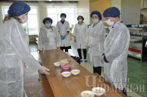 Депутат Госсовета РТ оценила работу школьных столовых в Черемшанском районе