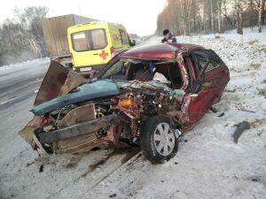 Авто превратилось в груду металла после столкновения с «ГАЗелью» на трассе в РТ