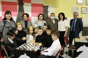 В азнакаевской школе торжественно открыли шахматную зону