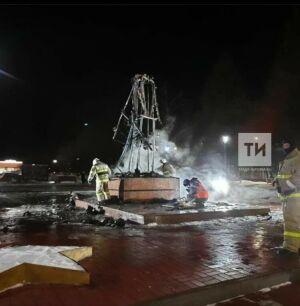 Памятник Воину-освободителю в Заинске загорелся из-за шалости подростков с огнем