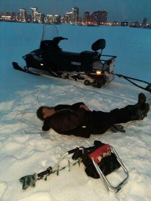 В Казани спасли рыбака, который заснул пьяным на льду реки