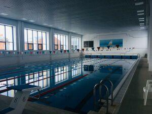 Восемь детей отравились хлором в бассейне в Мензелинске, трое в больнице